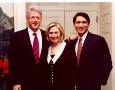 U.S._President_Bill_Clinton,_First_Lady_Hillary_Clinton,_and_White_House_Aide,_Franklin_Urteaga.jpg